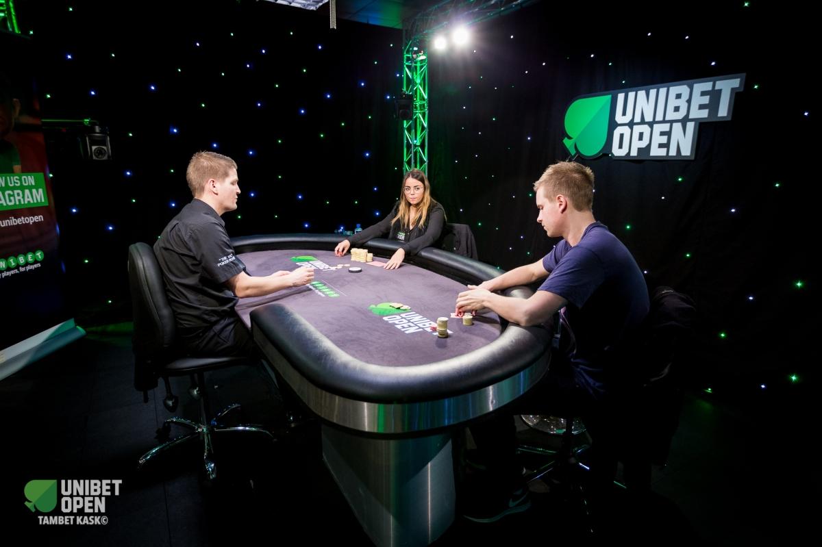 Kemudahan Bermain Poker Online di Agen Poker Online denganSmartphone.